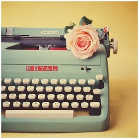 typewriter_rose_article